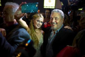 El hijo de tirano Fidel Castro celebrando con la millonaria Paris Hilton
