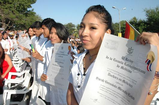 graduan-medico-bolivia-cuba_abg3