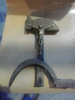 375x500x1-1Espinal-cruz-Hoz-y-martillo.png.pagespeed.ic.rqx3S07Tql