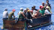 Los que no pueden vender su cuerpo como mercancía no tienen otra alternativa que lanzarse al mar a ser devorados por tiburones o llegar a las costas de Estados Unidos.